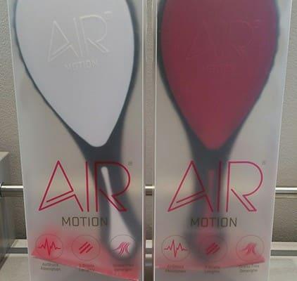 AirMotion de-tangling hair brush